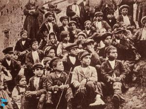 Bambini sopravvissuti al terremoto del 1905