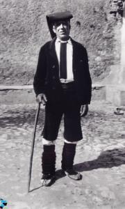 Uomo in costume di Bova (RC)