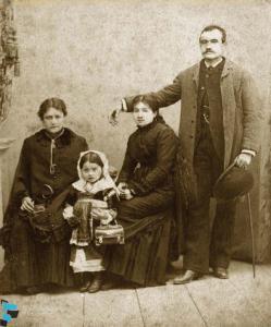 Ritratto di gruppo familiare borghese di Gagliato
